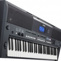 It is a Yamaha PSR-E433, pic 2