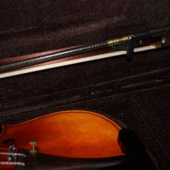 Violin 4/4, bow, case and rosin (unbranded) new., pic 3