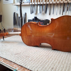 16.5 inch viola made by Stephen Collins., pic 1