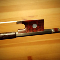 Carbon fiber 4/4 violin bow by ARCUS (model A-6, early series). Perfect condition., pic 2